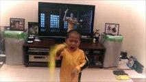 Le fils de Bruce Lee à l'entrainement : Nunchaku