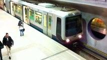 RET Metro Combi Type B (5322 met nieuwe kleur) vertrek Wilhelminaplein richting Rotterdam Centraal