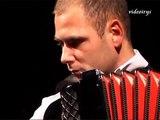 Marcin Wyrostek z zespołem Tango Corazon -Libertango -Astor Piazzolla- live