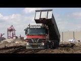Mercedes Actros 3244 Dumping Dirt