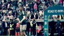 Cristiano ronaldo donne son T-shirt à un gamin qui s'est pris son ballon en peine tête