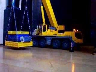 RC STRONG CRANE ; RC HEAVY LOAD 81t bei 5,20m  (24kg bei 35cm)  www.modellkran.de