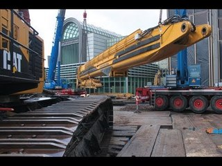 Caterpillar 5110B HRD88 assembling worlds largest demolition excavator Abbruchbagger Aufbau