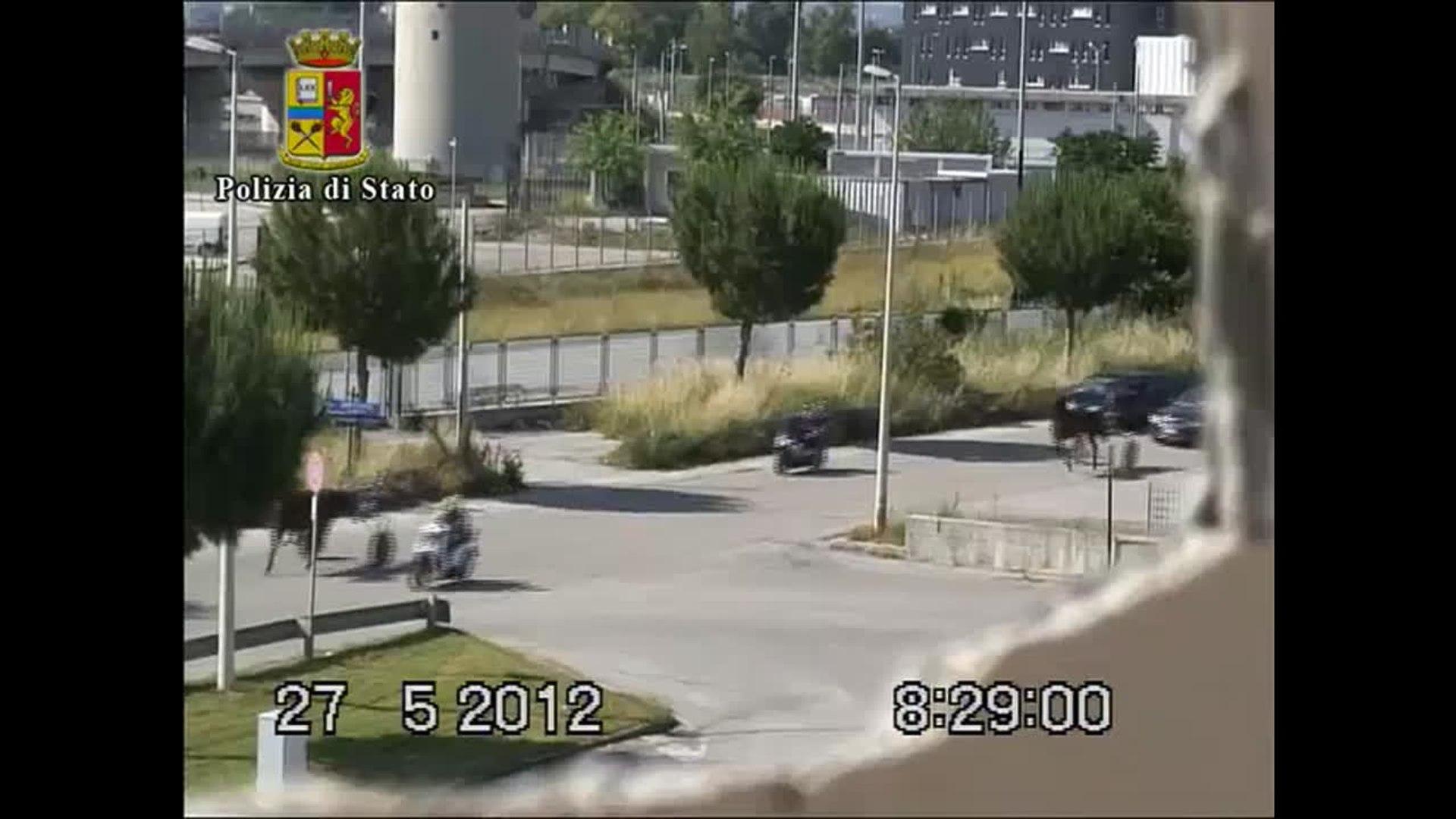 Cara de pau! Na Itália, Máfia faz corrida de cavalos nas ruas!