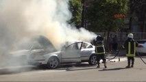 Adana? da Seyir Halindeki Otomobil Yandı