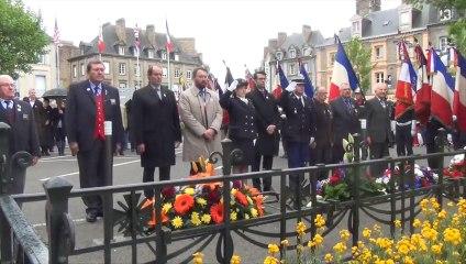 cérémonie du 8 mai 1945 à Avranches - place Littré - vendredi 8 mai 2015