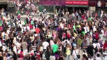Michael Jackson Beat It: Flash mob @ Sergels Torg, Stockholm