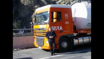 shifting gears 16s Daf XF105 video reply to shifting gears 12s Volvo FH by AID2003