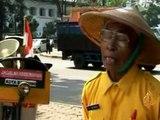 اندونيسيا..رجل بسيط نذر حياته من أجل بيئة نظيفة