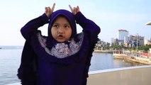 Kur'an okuyan minik kız  yine hayran bıraktı
