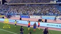 احتفالات لاعبي النصر بالبطوله الدوري ( لحضه اطلاق الصفاره النهايه ) المباراه النصر و الهلال