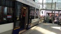 Randstad Rail und Straßenbahn Den Haag im Den Haager Hauptbahnhof
