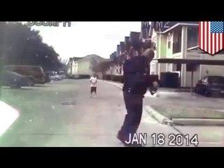 Добрый полицейский прервал дежурство, чтобы поиграть с мальчиком в футбол