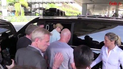 Charlize Theron arrive à Cannes - Festival de Cannes 2015