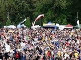 Odnowa w Duchu Świętym - Częstochowa 2010 cz.07 -- Powitanie i Piosenka - Pan wywyższony (nr.45)