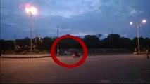 Un motard est suivi par un motard fantome