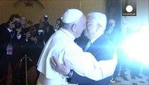 البابا فرنسيس يستقبل الرئيس عباس في الفاتيكان
