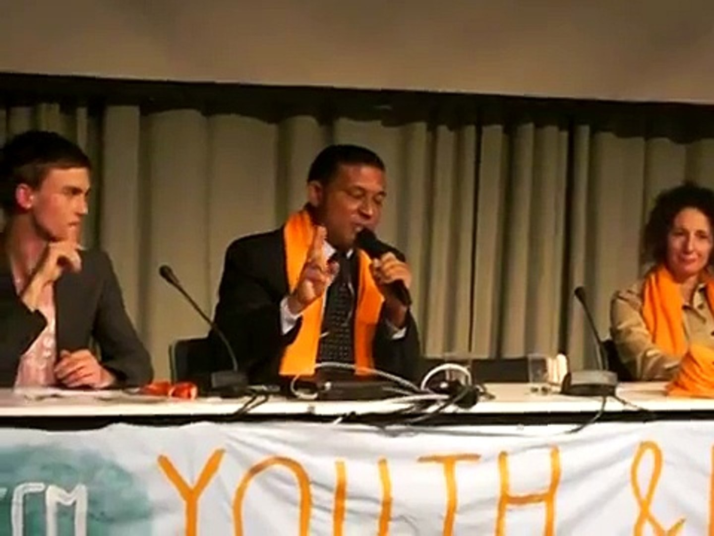 Minister from the Maldives' inspirational speech to youth at the UN Climate meeting