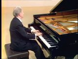Wilhelm Kempff plays Beethoven's Sonata 27, Op 90, mvt. 2