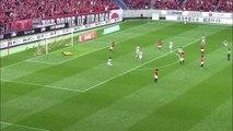 J-League: Japanischer Schlenzer Marke Robben
