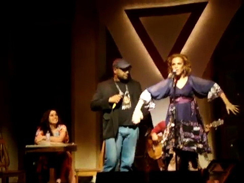 PEGANDO CARONA: Raquel Koehler e André Gabeh - AS ROSAS NÃO FALAM