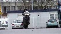 Wheeling en burgman 650 by Vince94 Tmax-Mania S75
