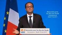 """""""Parce que le monde, il est pas facile, et parfois il est pas gentil"""", constate Hollande"""