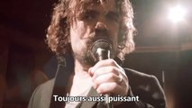 Tyrion Lannister (Peter Dinklage) chante les morts de Game of Thrones