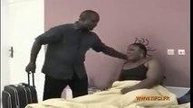Il surprend son épouse en flagrant délit d'adultère dans son lit