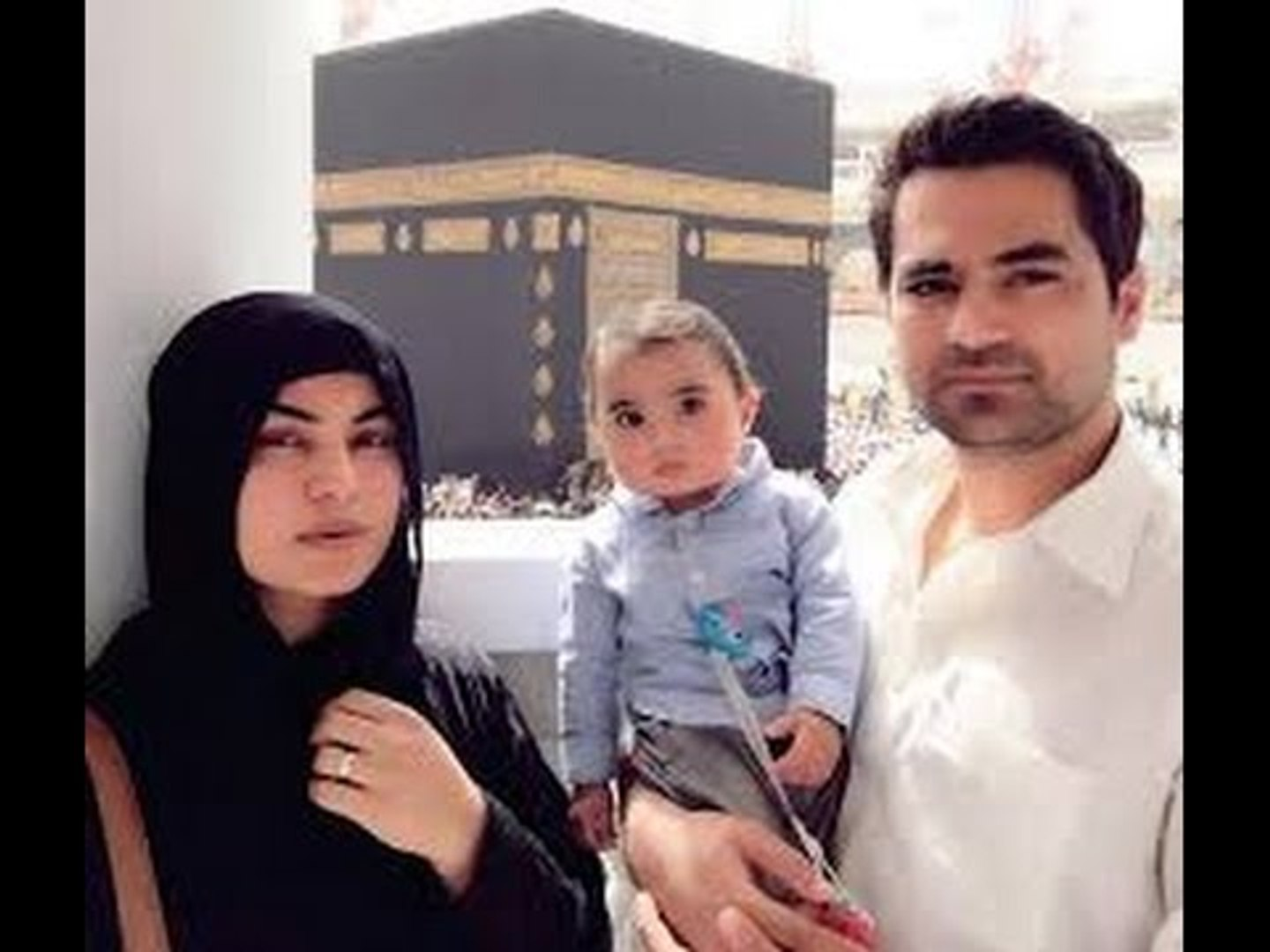Veena Malik Khan & Asad Bashir Khan perform Umrah with their adorable son Abram Khan