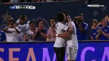 Crazy! Fan invades the pitch and hugs Cristiano Ronaldo Real Madrid vs Chelsea 7/8/13