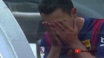 Xavi breaks down in tears after standing ovation from Barça fans on final league appearance