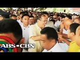 PNoy asks supporters to wear yellow ribbon