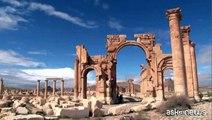 Siria, intensi raid dell'aviazione militare di Damasco su Palmira