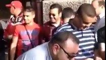 الملك محمد السادس يسلم على الناس في شوارع تونس رفقة الأمير رشيد و ولي العهد  le Roi Mohamed 6