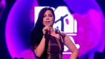 MTV EMAs - Amy Lee Introduces The Red Hot Chili Peppers (06 Nov 2011)