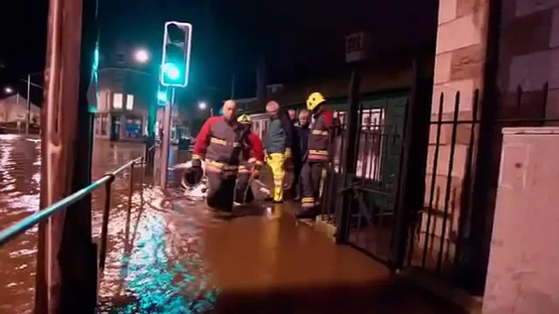 England Floods in UK - Flooding in England November 2012 - UK Flood