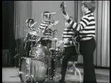 The Kinks - Icelandic Newsreel, 1965