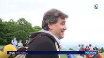 """Arnaud Montebourg aux journalistes : """"Vous me cassez les oreilles"""" - ZAPPING ACTU DU 26/05/2015"""
