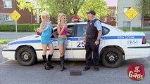 Polis Kılığında İnsanlara Öyle Bir Şaka Yaptı Ki..