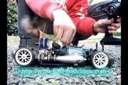 démarrage d'une voiture thermique (réservoir space) ressort  (modélisme auto)