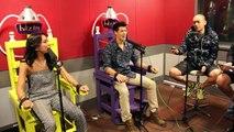 The Electric Chair : MTV's VJ Hanli and VJ Alan