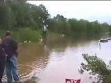 2010 TN Flood - Horses rescued from flood May 2, 2010 near Nashville TN