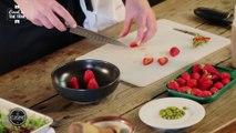 Salade de fraises, sirop de rhubarbe - Recette d'été