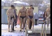 ValeTudo.ru Fedor Emelianenko - Ice-cold water washes in Russia's Epiphany