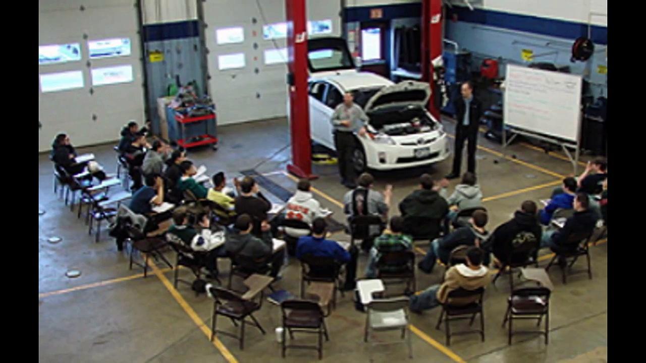 Auto Tech | Auto Tech Schools ~ Auto Tech Salary ~ Auto Tech Jobs ~ Auto Tech Usa # Auto Tech Expo