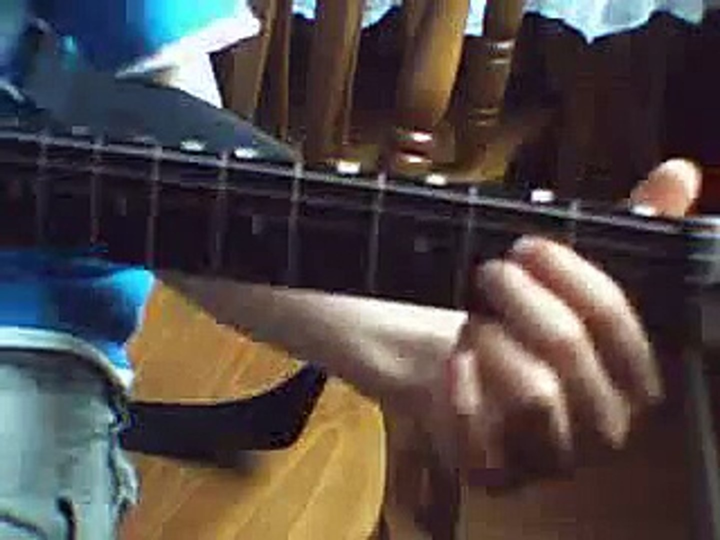 learn guitar with ciarian : how to play live wire