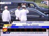 Sultan of Brunei lays wreath at Rizal monument