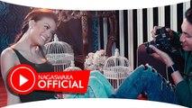 Hesty - Cinta Pertama - Official Music Video - NAGASWARA