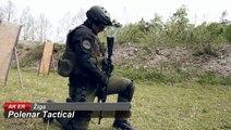 Comment recharger un AK-47 avec un seul bras